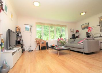 Thumbnail 2 bed maisonette for sale in Linwood Close, Camberwell