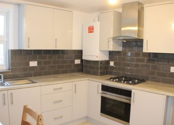 Thumbnail 1 bed flat to rent in Grove Green Road, Leytonstone