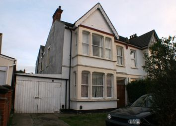 Thumbnail Studio to rent in Satanita Road, Westcliff-On-Sea