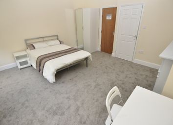 Thumbnail 4 bed flat to rent in Landcross Road, Fallowfield, Manchester
