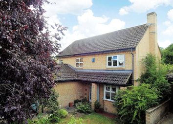 Thumbnail 4 bed property for sale in Chaffinch Close, Wokingham, Berkshire