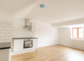 Thumbnail 2 bedroom property to rent in Sevens Close, High Street, Berkhamsted