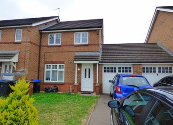 3 bed property to rent in Thomas Chapman Grove, Northampton NN4