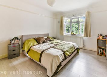 Thumbnail 3 bed flat to rent in Knights Park, Kingston Upon Thames