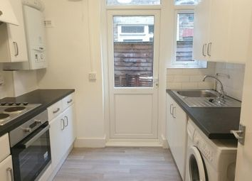 Thumbnail 2 bed flat to rent in Clementina Road, London