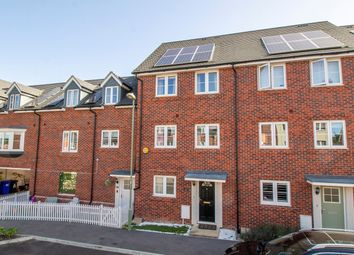 4 bed property for sale in Jubilee Drive, Church Crookham, Fleet GU52