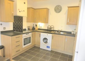 Thumbnail 2 bedroom flat to rent in Oak Square, London