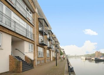Thumbnail 2 bed flat to rent in Canada Water, London