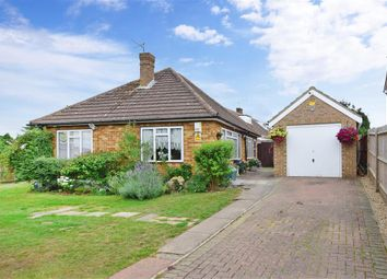 Orchard Close, Coxheath, Maidstone, Kent ME17. 2 bed detached bungalow