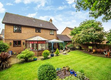 Thumbnail 4 bed property for sale in Scott Farm Close, Thames Ditton