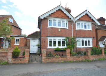 Thumbnail 2 bed cottage to rent in Jubilee Road, Littlewick Green, Maidenhead