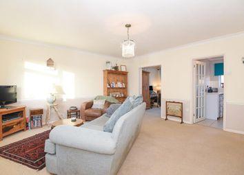 Thumbnail 2 bedroom flat to rent in Newbury, Berkshire