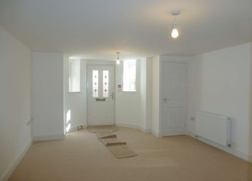 Thumbnail 2 bedroom flat to rent in Victoria Road North, Southsea