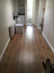 Thumbnail Studio to rent in St. Andrews Road, Coulsdon