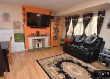 Thumbnail 2 bedroom flat to rent in Rowe Walk, Harrow