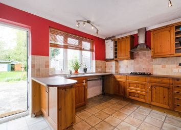 Thumbnail 2 bed property to rent in Hampden Road, Harrow Weald
