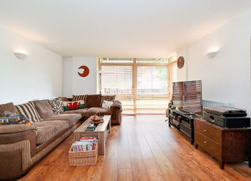 Constable House, London E14. 2 bed flat