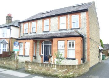 Thumbnail 2 bed flat for sale in Sunbury Lane, Walton-On-Thames