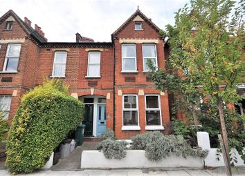2 bed maisonette to rent in Clarendon Road, Colliers Wood, London SW19