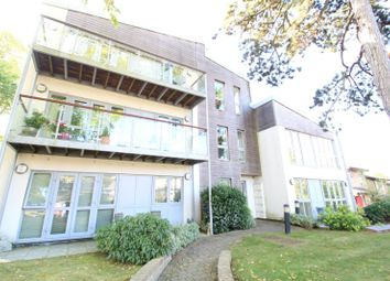 Thumbnail 2 bed flat to rent in Cleve Cross, Selborne Road, Croydon