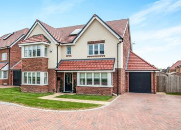 Thumbnail 5 bedroom detached house for sale in Cunningham Way, Leavesden, Watford
