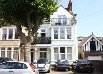 Manor Road, Westcliff-On-Sea, Essex SS0. 3 bed flat