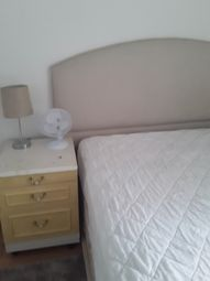 Room to rent in Boundfield Road, Catford, London SE6