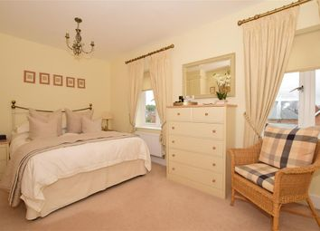 5 bed town house for sale in Beacon Avenue, Kings Hill, West Malling, Kent ME19