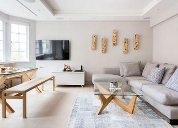 Serviced flat to rent in Kensington High Street, London W8