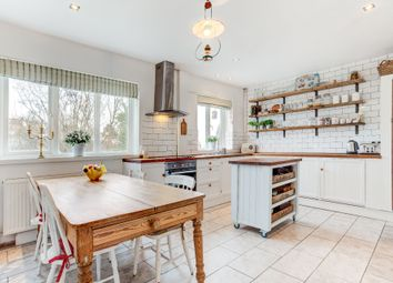 Thumbnail 3 bed flat for sale in Milner Road, Brighton