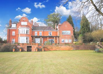 Thumbnail 2 bed flat to rent in Stoneswood Road, Oxted