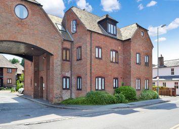 Thumbnail 1 bed flat to rent in Swan Court, Newbury, Berkshire