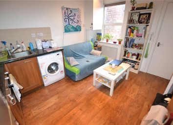 Thumbnail 1 bed flat to rent in Glenthorne Road, New Southgate, London