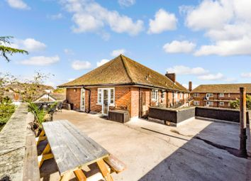Archers, Archers Road, Southampton, Hampshire SO15. 2 bed flat for sale