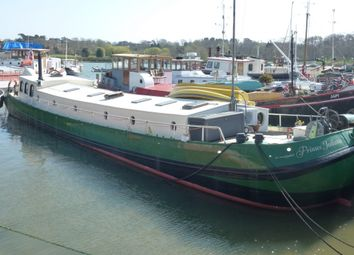 Thumbnail 3 bed houseboat for sale in Robertsons Boatyard, Lime Kiln Quay