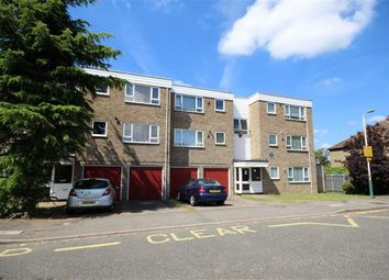 Thumbnail 2 bedroom flat for sale in Hornchurch, Essex