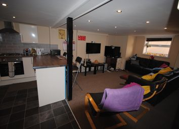 Thumbnail 8 bed terraced house to rent in Estcourt Avenue, Headingley