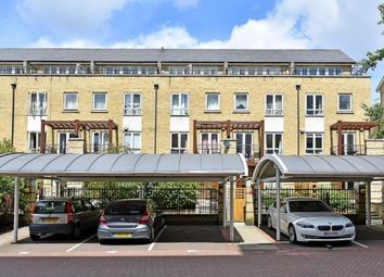 Thumbnail 3 bed flat to rent in Langbourne Place, Canary Wharf