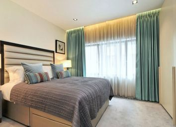 Thumbnail 1 bed flat to rent in Babmaes Street, St James's, London