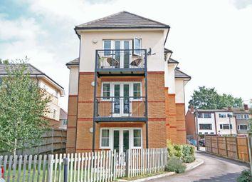 Thumbnail 2 bedroom flat to rent in Ebberns Road, Hemel Hempstead