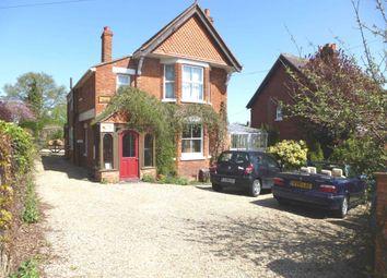 Thumbnail 2 bed flat to rent in Wokingham Road, Binfield, Bracknell