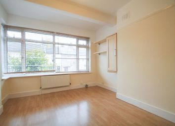 Thumbnail 2 bedroom flat for sale in Spring Vale South, Dartford, Kent