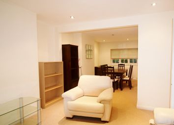2 bed maisonette to rent in Neale Close, London N2