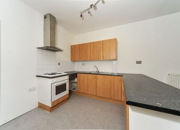 2 bed flat to rent in Abbey Street, Hull HU9