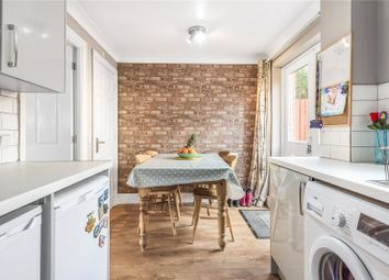 Swan Lane, Faringdon SN7. 2 bed terraced house for sale