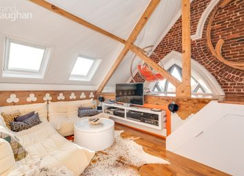 High Street, Brighton, East Sussex BN2. 2 bed flat for sale