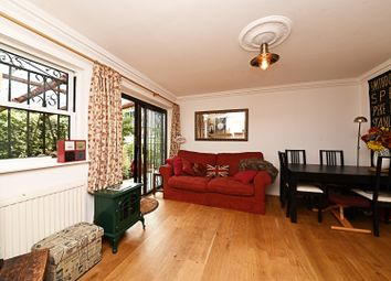 Thumbnail 1 bedroom flat for sale in Hartham Road, Islington