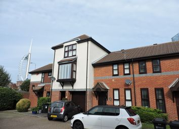 2 bed terraced house to rent in Beehive Walk, Portsmouth PO1
