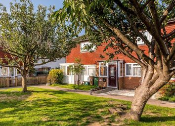 2 bed property for sale in Chiswick Close, Beddington, Croydon CR0