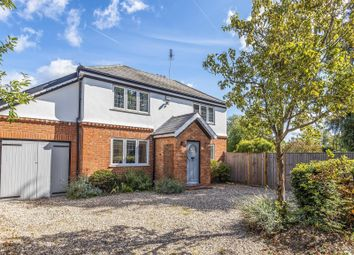 Thumbnail 4 bed detached house to rent in Whiteknights Road, Reading